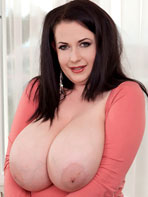 Pics of voluptuous brunette Anna Beck