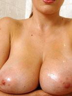 Domenica showering