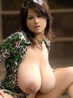 Chloe Vevrier in green