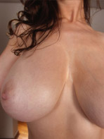 Lana Kendrick shows off her wonderful breasts