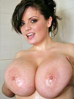 Arianna Sinn in the shower