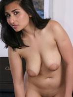Busty Brits model Aneeta