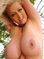 Lola takes off her bra
