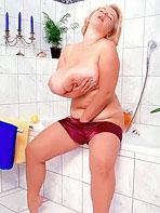 Coony Boobs - Christiane