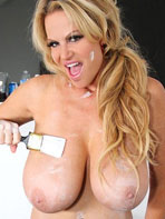 Kelly Madison painting