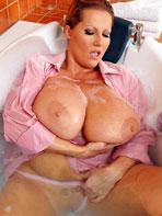 Laura M takes a bath