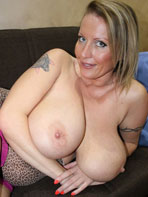 Mature amateur Laura