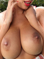 Photos of British babe Holly Peers