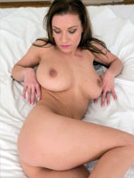 Daisy naked in the bed