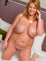 Chubby blonde Brooke Max