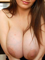 Rub My Boob model Vanessa