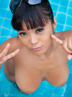 Sexy Asian model Gail in the pool